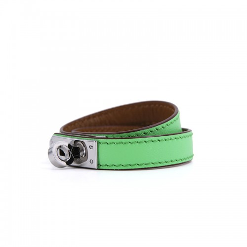 Flat Grain Apple Green Bracelet Silver Buckle