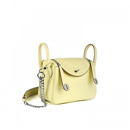 22CCLD Lindy Hobo Bag Flat Grain Classic Light Yellow Silver Buckle