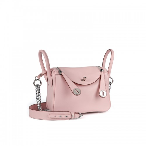 22CCLD Lindy Hobo Bag Flat Grain Classic Baby Pink Silver Buckle