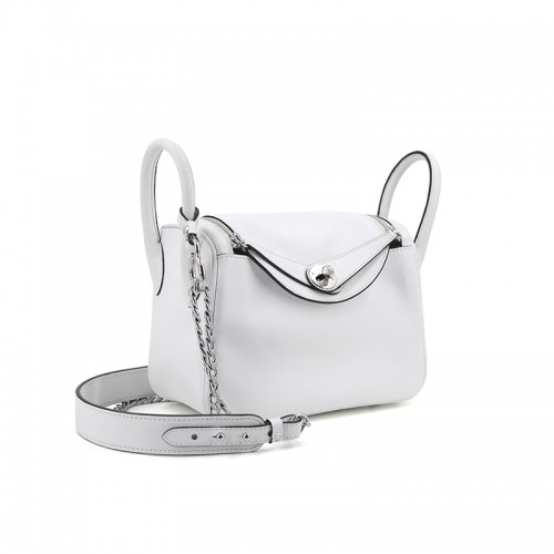 22CCLD Lindy Hobo Bag Flat Grain Classic Romantic White Silver Buckle